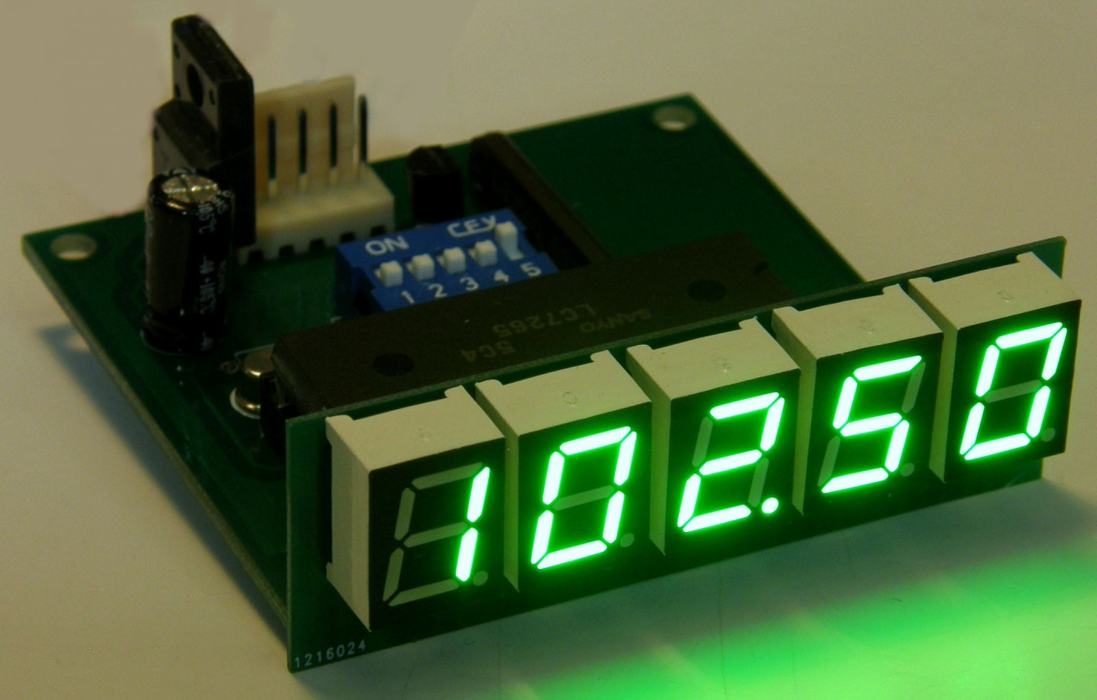Digital display for radio receivers TES